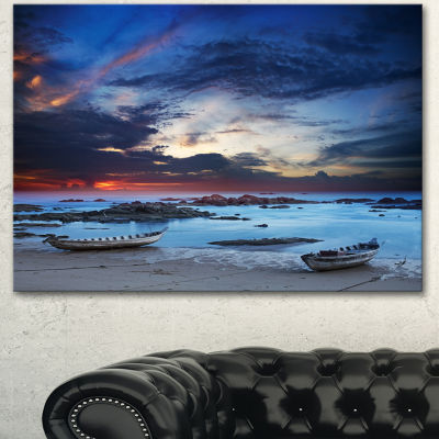 Designart Colorful Traditional Asian Boats Landscape Canvas Art Print - 3 Panels