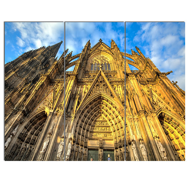 Designart Dom Church In City Cologne Lit By Sun Large Cityscape Art Print On Canvas - 3 Panels
