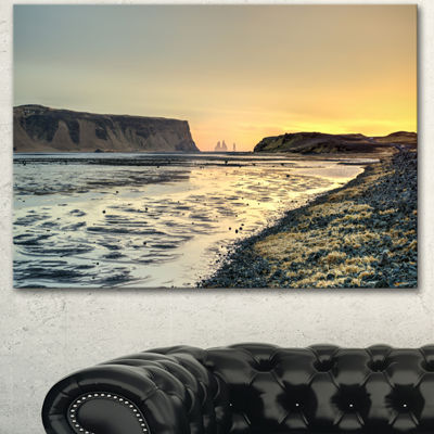 Designart Dyrholaey View Unto Reynisfjara Large Seashore Canvas Art Print