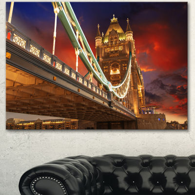 Designart Famous Tower Bridge At Night Modern Cityscape Canvas Art Print - 3 Panels