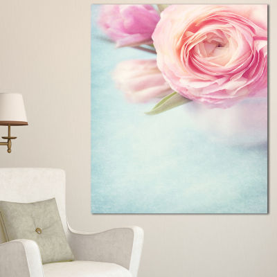 Designart Full Bloom Pink Flowers In Vase FloralCanvas Art Print - 3 Panels
