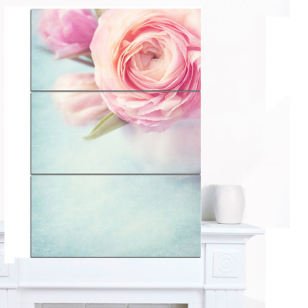 Design Art Full Bloom Pink Flowers In Vase FloralCanvas Art Print - 3 Panels