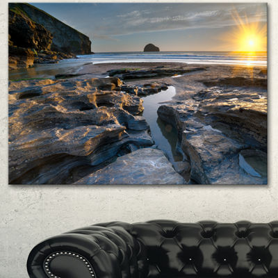 Designart Beach At Trebarwith In Cornwall ModernSeashore Canvas Art 3 Panels
