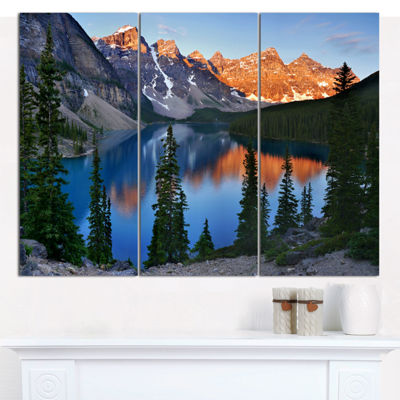 Designart Beautiful Moraine Lake Canada LandscapeCanvas Art Print 3 Panels