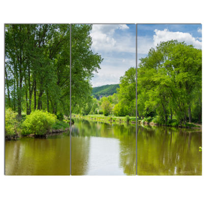 Designart Beautiful Summer With Green Grass LargeLandscape Canvas Art 3 Panels