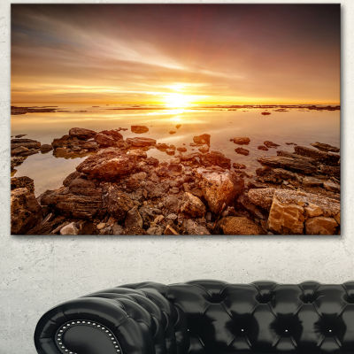 Designart Beautiful Sunset Over Rocky Beach LargeSeashore Canvas Art Print 3 Panels