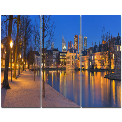 Designart Binnenhof In The Hague Panorama Modern Seashore Canvas Wall Art  3 Panels