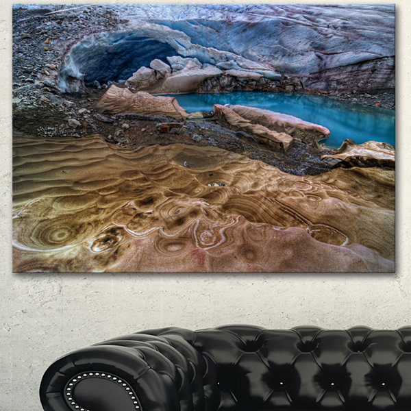 Designart Brilliant Turquoise Melt Pool LandscapeCanvas Art Print 3 Panels