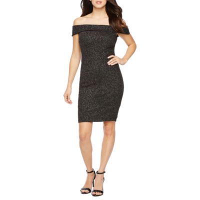 Premier Amour Short Sleeve Off The Shoulder Glitter Knit Sheath Dress