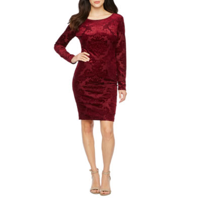 Premier Amour Long Sleeve Velvet Sheath Dress