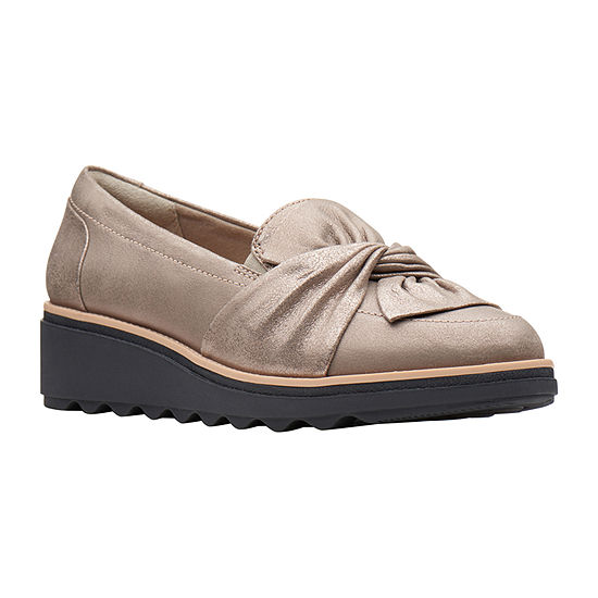 Clarks Womens Sharon Dasher Closed Toe Slip-On Shoe