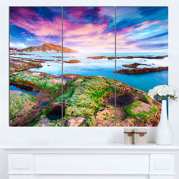 Designart Sunset From The Giallonardo Beach Landscape Canvas Art Print - 3 Panels