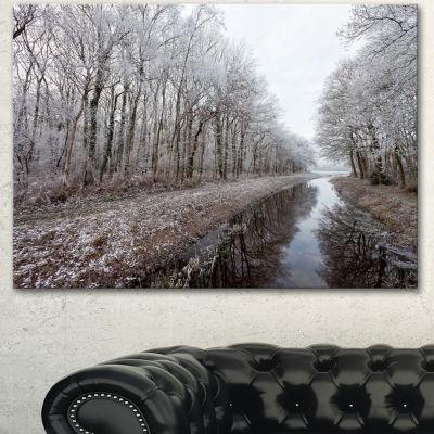 Designart Trees In White Winter Landscape Landscape Canvas Art Print - 3 Panels