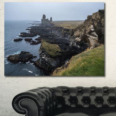 Designart Rocky And Scenic Iceland Beach LandscapeCanvas Art Print