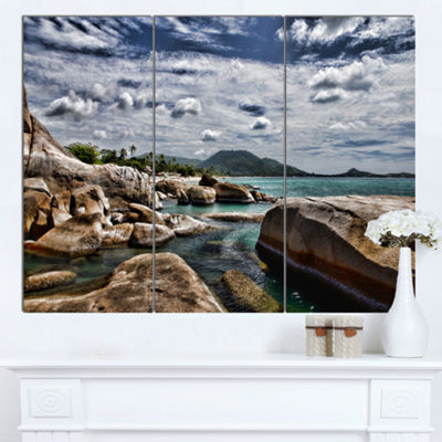 Designart Rocky Beach With Dramatic Sky Large Seashore Canvas Art Print - 3 Panels