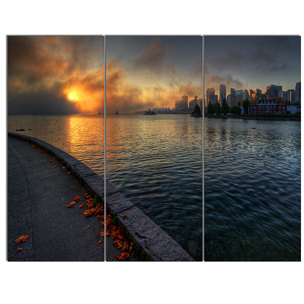 Designart Tranquil Vancouver Downtown View ExtraLarge Landscape Canvas Art Print - 3 Panels