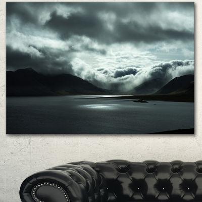 Designart Stormy Iceland In The Summer Seashore Canvas Art Print - 3 Panels