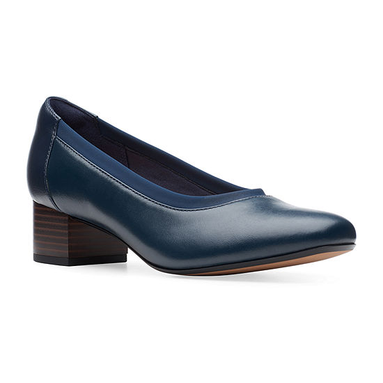 Clarks Womens Chartli Fame Round Toe Stacked Heel Pumps