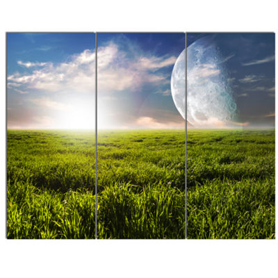 Designart Green Field Under Bright Sunlight ExtraLarge Landscape Canvas Art Print - 3 Panels