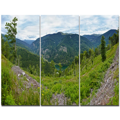 Designart Green Mountains Panorama Landscape Canvas Art Print - 3 Panels