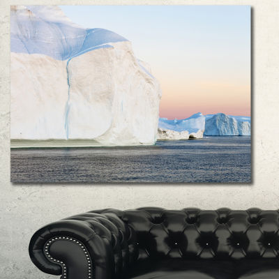 Designart Greenland Ices Of Polar Regions ModernSeashore Canvas Wall Art - 3 Panels
