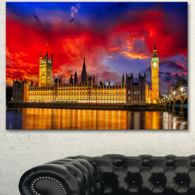 Designart House Of Parliament At River Thames Modern Cityscape Canvas Art Print - 3 Panels