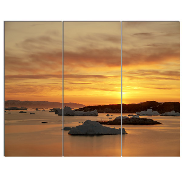 Designart Huge Icebergs On Arctic Ocean SeascapeCanvas Art Print - 3 Panels