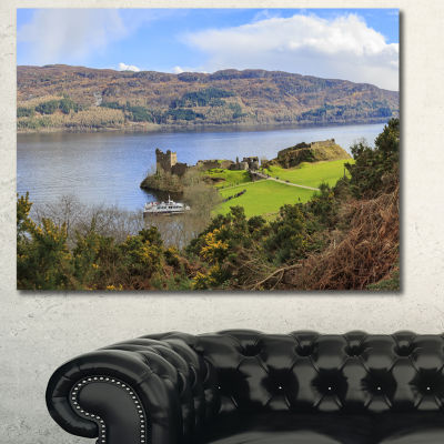 Designart Lago Ness And Urquhart Castle LandscapeCanvas Art Print