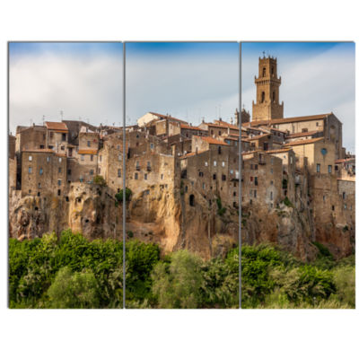 Designart Pitigliano City On The Cliff In Italy Large Landscape Canvas Art - 3 Panels