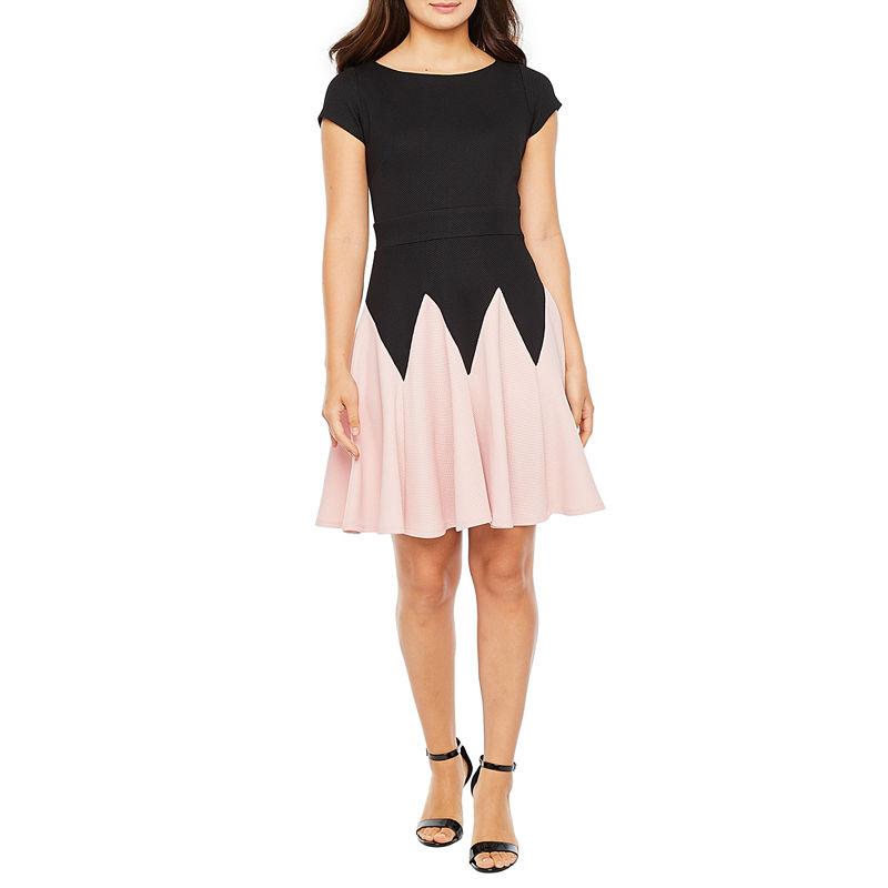 1920s Style Dresses, 20s Dresses Danny  Nicole Short Sleeve Chevron Midi Fit  Flare Dress $37.49 AT vintagedancer.com