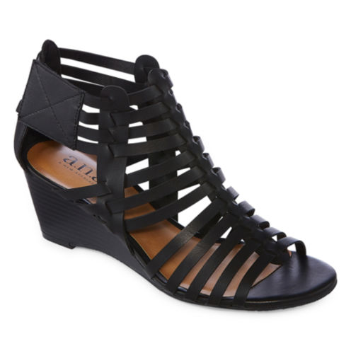 a.n.a Meadow Womens Wedge Sandals (Brown/ Black)