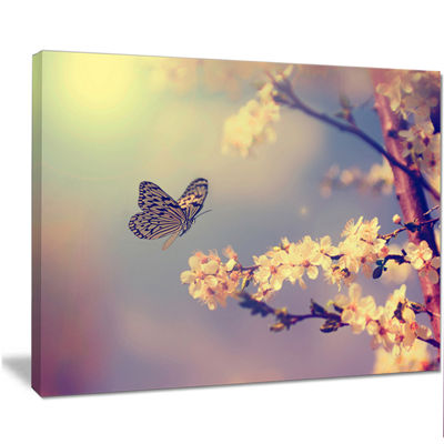 Designart Vintage Butterfly With Flowers Large Floral Canvas Art Print
