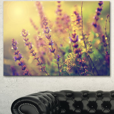 Designart Vintage Photo Of Wild Purple Flower Large Floral Canvas Art Print - 3 Panels