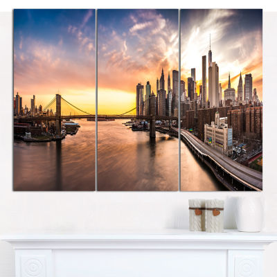 Designart Brooklyn Bridge Panorama At Sunset Landscape Canvas Art Print - 3 Panels
