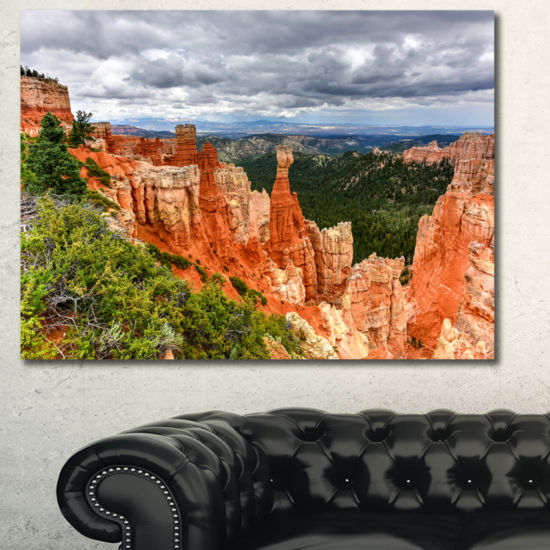Designart Bryce Canyon National Park Landscape Canvas Art Print