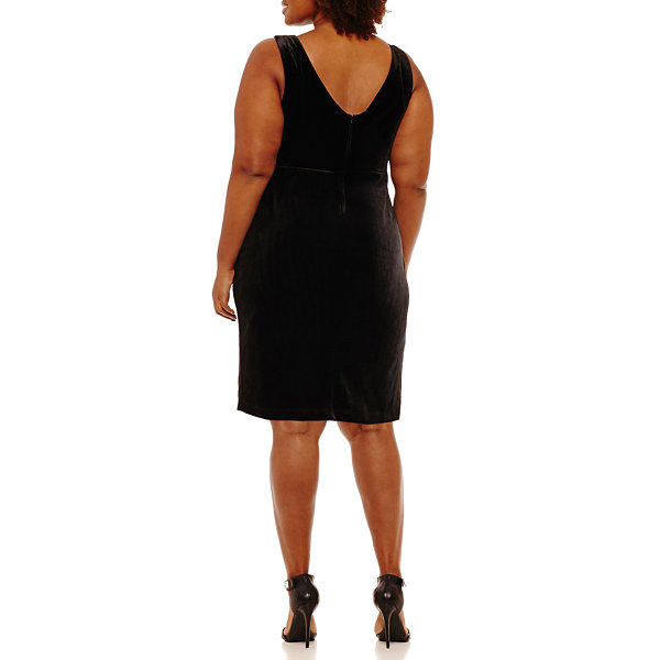 B. Darlin Sleeveless Sheath Dress - Plus