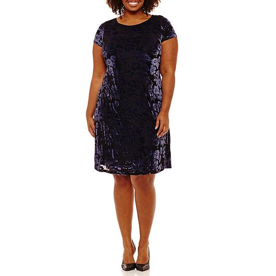 Melrose Short Sleeve Floral Shift Dress - Plus