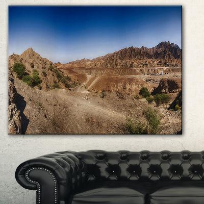 Designart Hatta Mountains Landscape Photography Canvas Art Print - 3 Panels