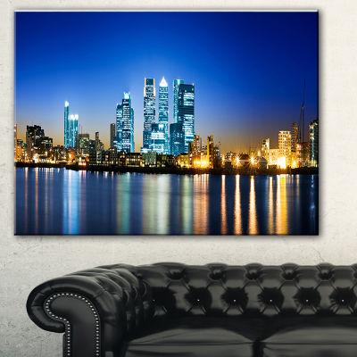 Designart Canary Wharf London Cityscape Photo Canvas Print - 3 Panels