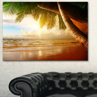 Designart Caribbean Beach Sunrise Landscape PhotoCanvas Art Print - 3 Panels