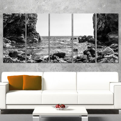 Designart Bottom Cliffs In Dorset England SeascapeArt Canvas Print - 5 Panels
