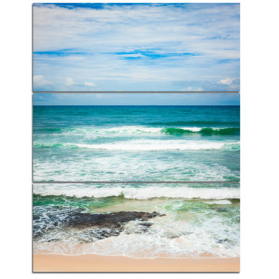 Designart Indian Ocean Seascape Photography CanvasArt Print - 3 Panels
