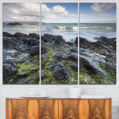 Designart Rocky North Ireland Seashore PhotographyCanvas Art Print - 3 Panels