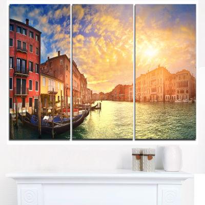Designart Majestic Sunset Over Venice Cityscape Canvas Art Print - 3 Panels