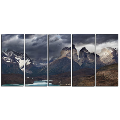 Design Art Torres Del Paine Cuernos Mountains Photography Canvas Art Print - 5 Panels