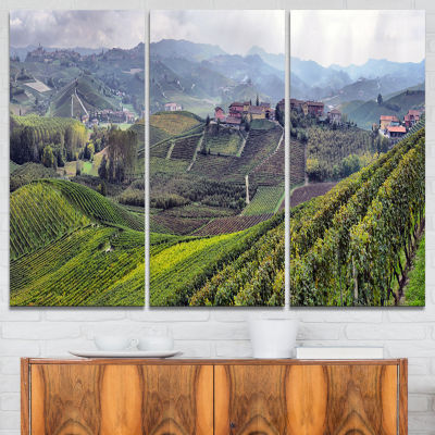 Designart Vineyards In Italy Panoramic PhotographyCanvas Art Print - 3 Panels