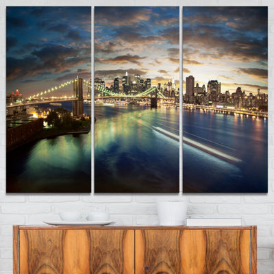 Designart New York Under Cloudy Skies Cityscape Photo Canvas Print - 3 Panels