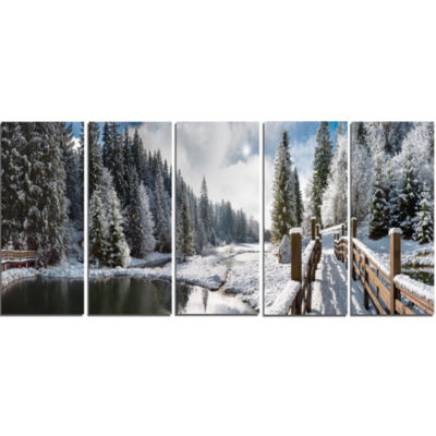 Designart Winter Morning Panorama Landscape Photography Canvas Print - 5 Panels