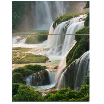 Designart Detian Waterfall Landscape Photography Canvas Art Print - 3 Panels