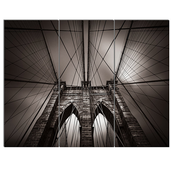 Designart Brooklyn Bridge In NYC USA Canvas Art Print - 3 Panels